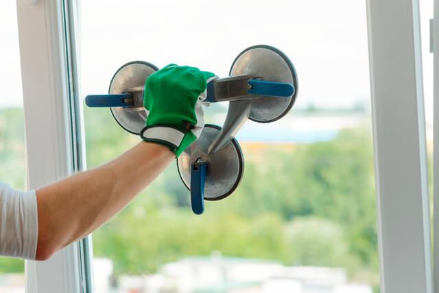 Замена стеклопакета в пластиковых окнах